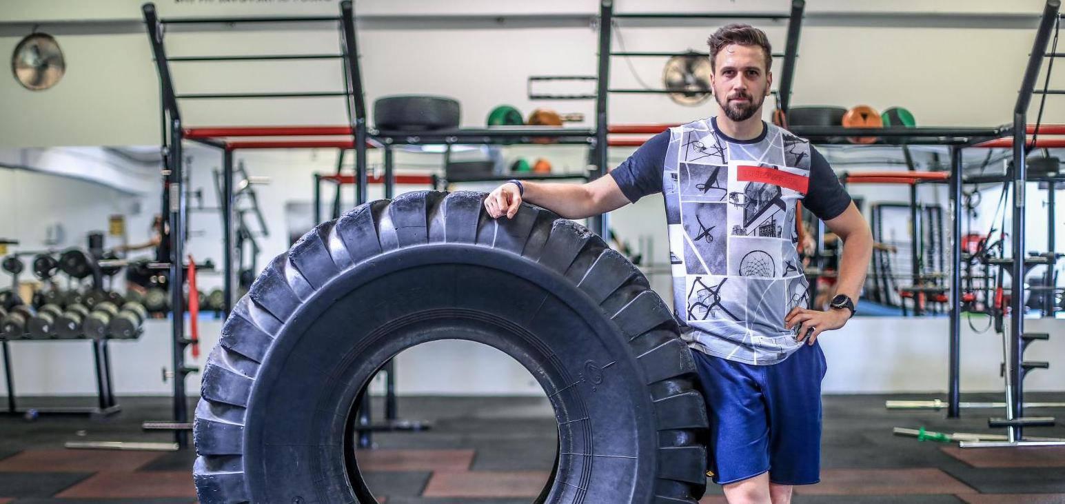 Tomislav Lubenjak diže  gume od 120 kg: 'To je moj trening'