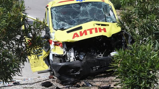 Šibenik: U prometnoj nesreći sudjelovalo nekoliko vozila i hitna pomoć