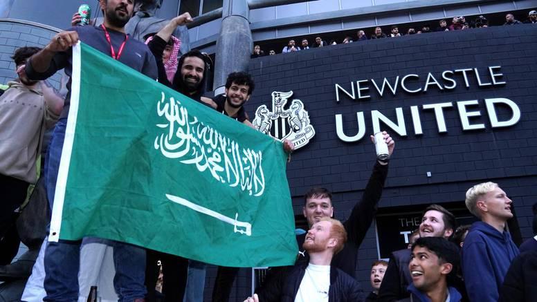 Slavlje u Newcastleu: Saudijski princ težak 320 milijardi funti kupio slavni engleski klub!