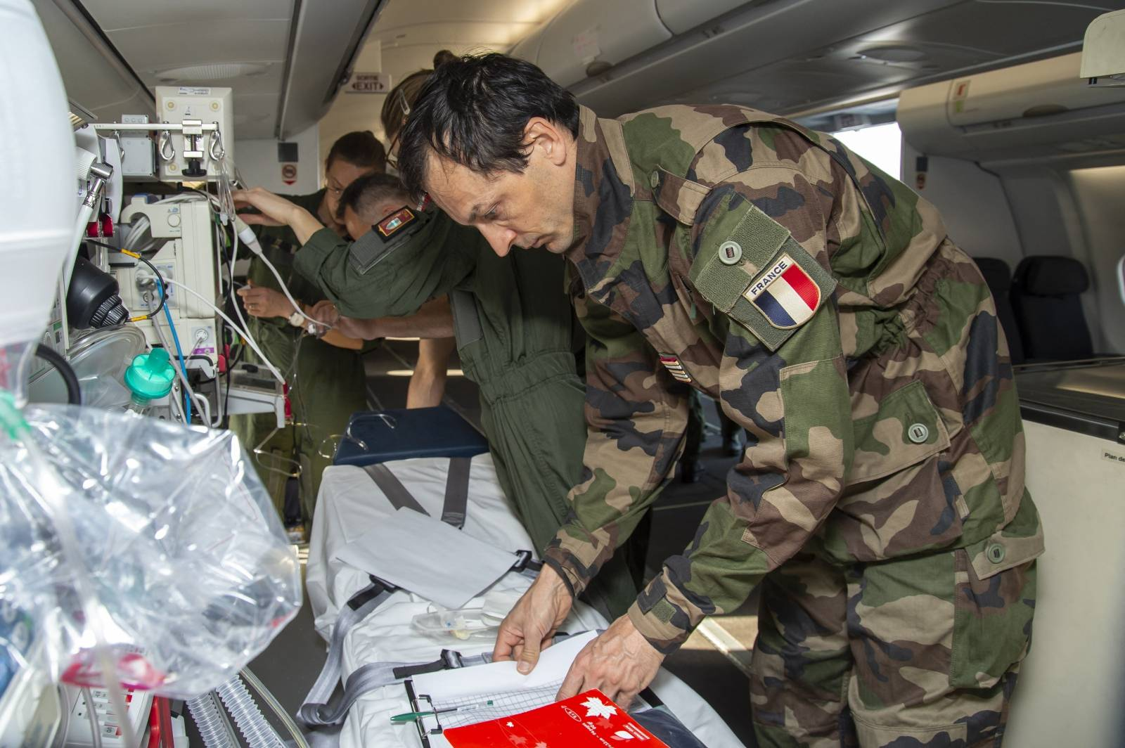 French Air Force Evacuates Covid-19 Infected Patients