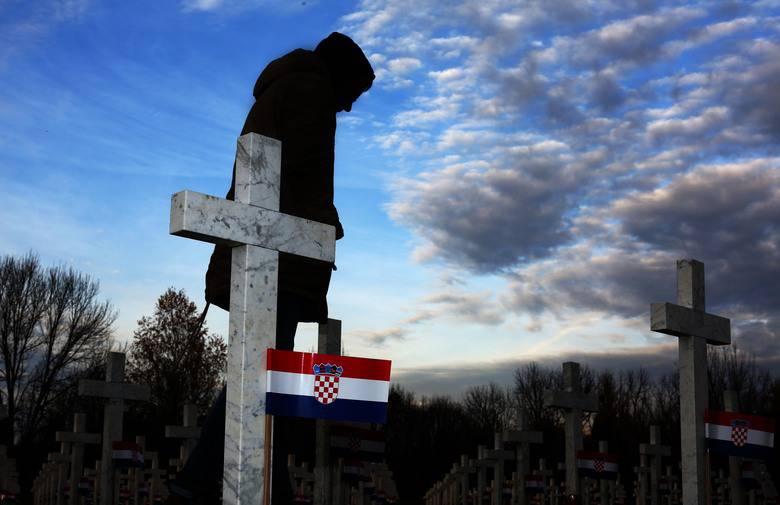 Više od pola ljudi u Srbiji ne zna za zločine na Ovčari 1991.