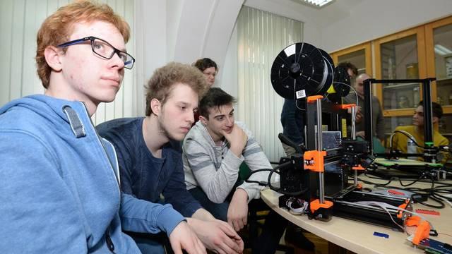 Ova gimnazija radi s Arduino setovima i prvi su u Hrvatskoj