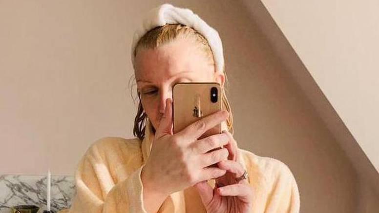 Courtney Love (54) je rastvorila ogrtač: Otkrila sve bez cenzure