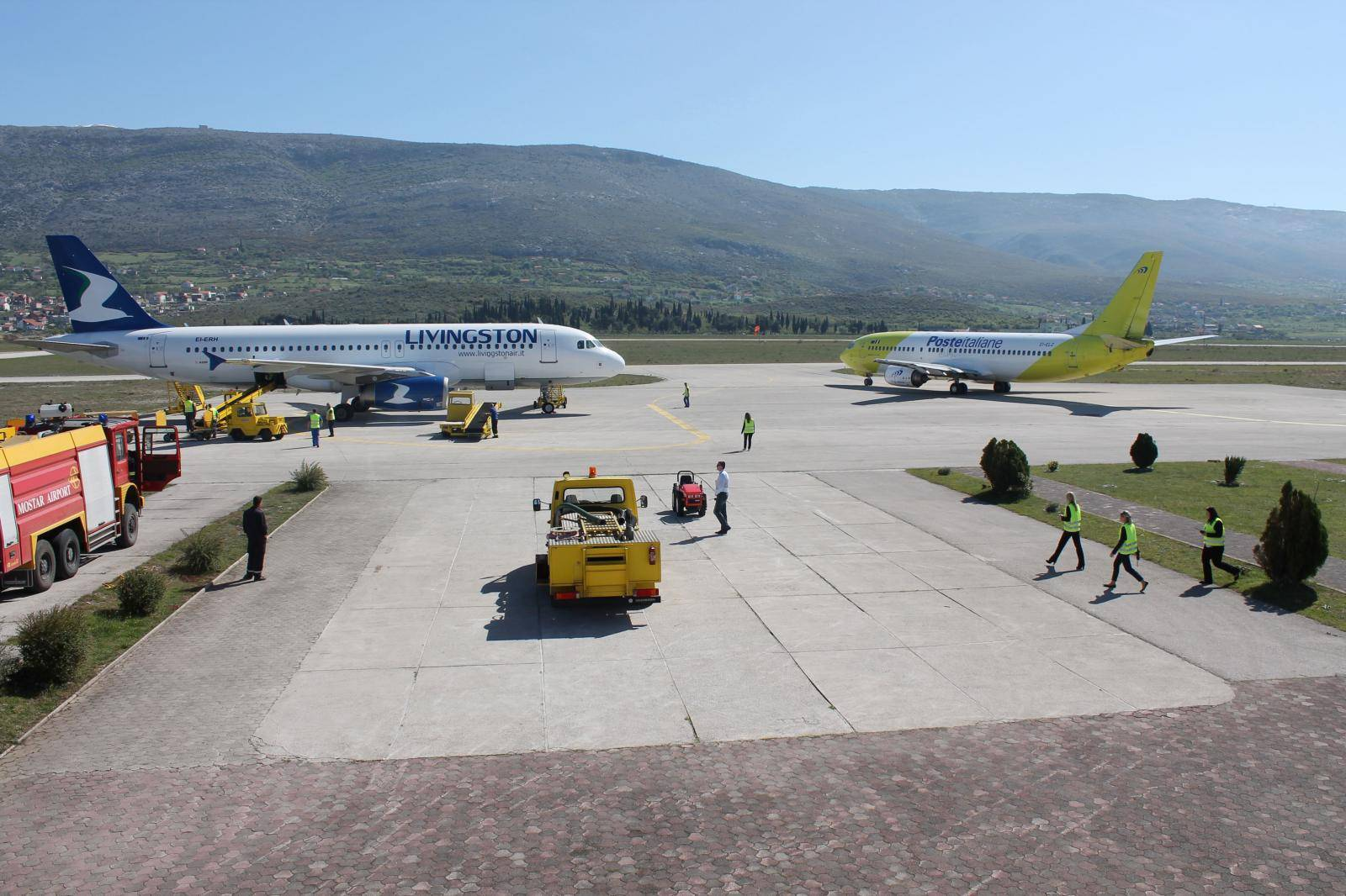 Policija istražuje tko laserima ometa avione iznad aerodroma