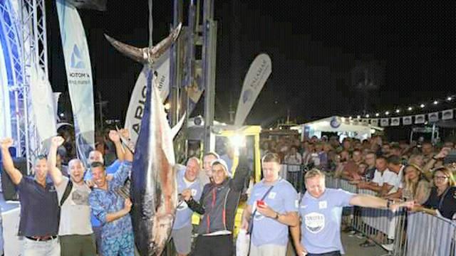 Rekorderi u Poreču: Ulovili su tunu od gotovo 200 kilograma