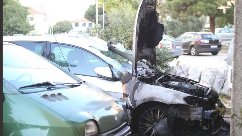 Pretukli je i zapalili auto, a ona se pita: 'Dokle to može ići?!'