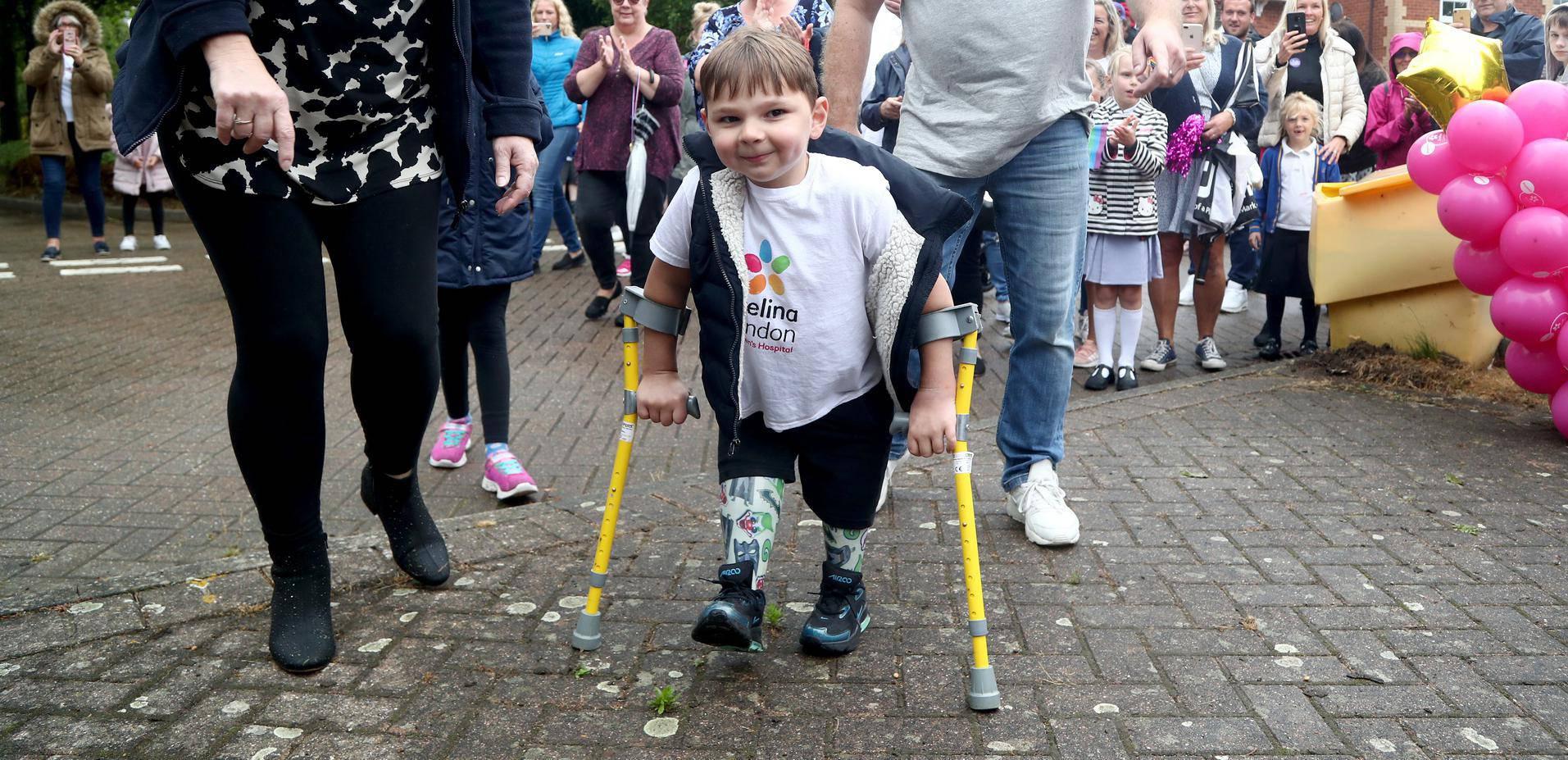 Mali heroj (5): S dvije proteze na nogama propješačio 10 km u 30 dana i skupio 8,5 milijuna kn