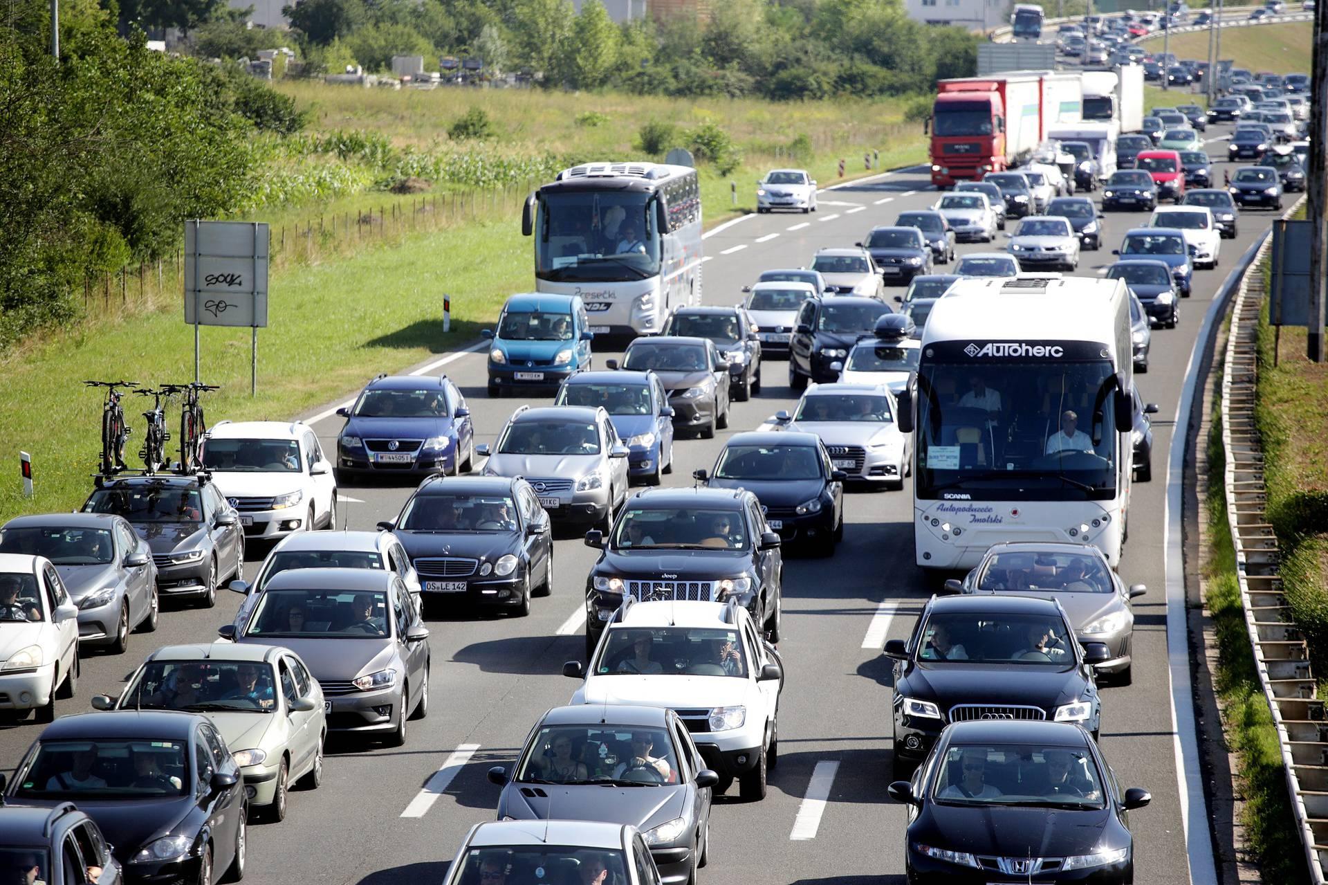 Na autocestama 30 milijuna vozila, turisti umanjili minuse
