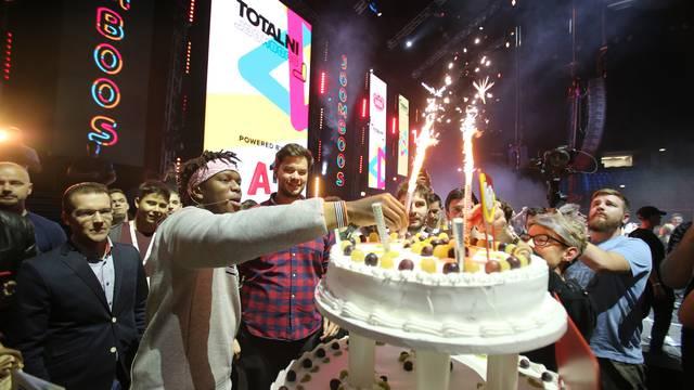 Tisuće ljudi s KSI-jem pjevalo: 'Sretan rođendan JoomBoos!'