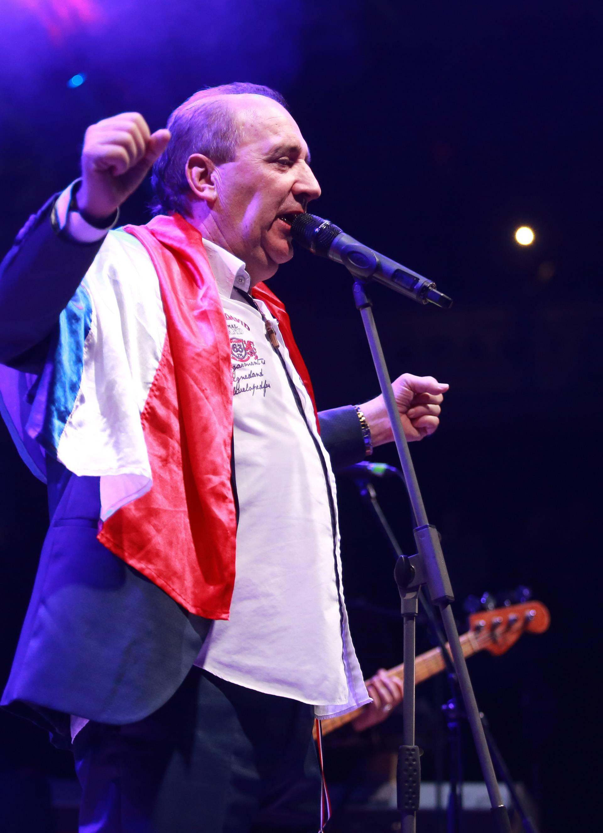 Frankfurt: Mladen Grdović nastupio u Fraport areni na Hrvatskoj noći