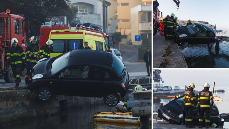 Autom skoro upala u more u Zadru, spasio ju drveni mol