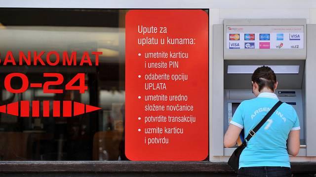 Erste banka privremeno ukida naknade za podizanje novaca