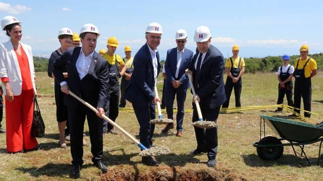 Cres: Polaganjem kamena temeljca otvoreni radovi na izgradnji Sunèane elektrane Cres