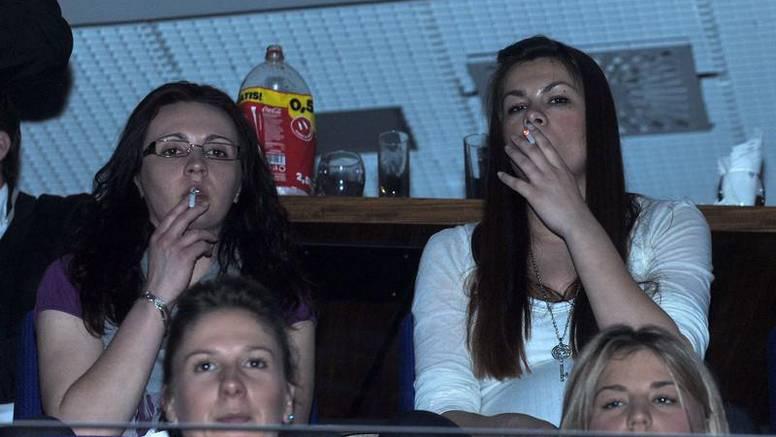 Trudna M. Grahek pušila je na koncertu Ž. Samardžića