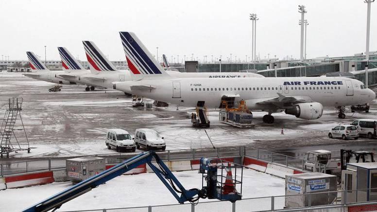 Strava na pariškom aerodromu: Pronašli mrtvo dijete u avionu