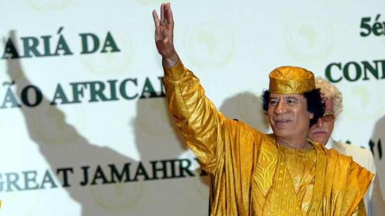 Gadafi, diktator kojeg je narod svrgnuo, a sad za njim plaču...