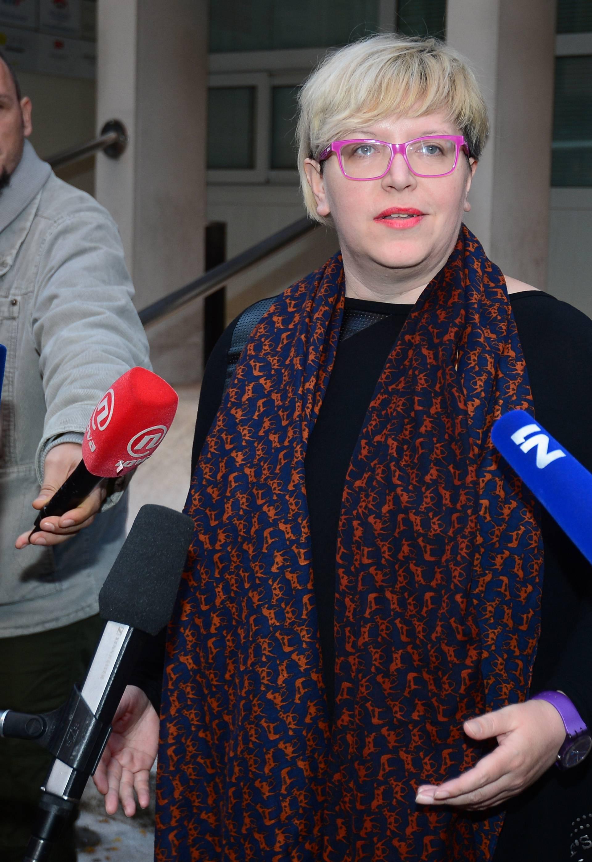 Leaković predala potpise: SDP treba mijenjati politiku, ne ime