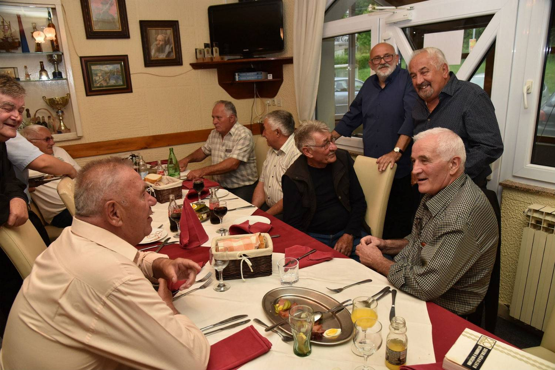 Slavili 50 godina mature: 'Prije ponoći nitko nije htio ići doma'