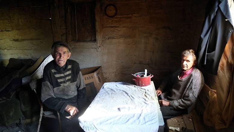 Dva brata žive u šumi kod Gline: 'Treba nam samo jedna žarulja'