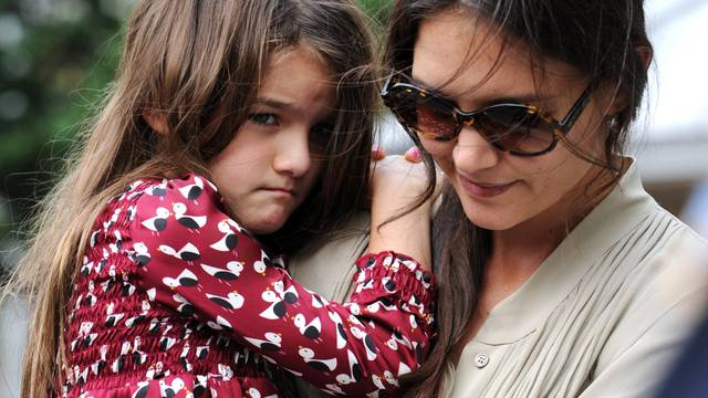 Katie Holmes and Suri take a trip to the park - New York
