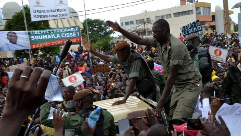 Malijska hunta želi trogodišnju vlast, ipak su pristali  osloboditi svrgnutog predsjednika Keita