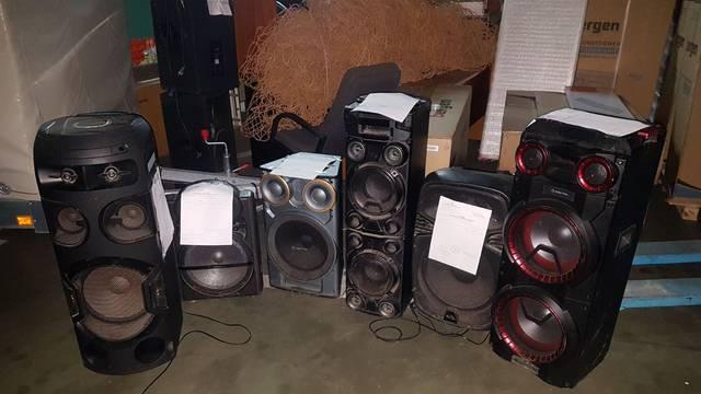 Pijani DJ-evi preglasno puštali glazbu, uzeli im zvučnike
