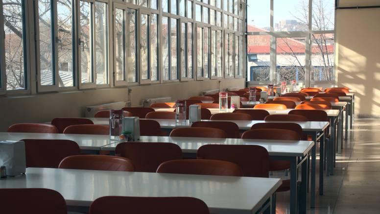 Njemačke škole koriste zvonca kako bi nastavnike podsjetile da redovno prozrače učionice
