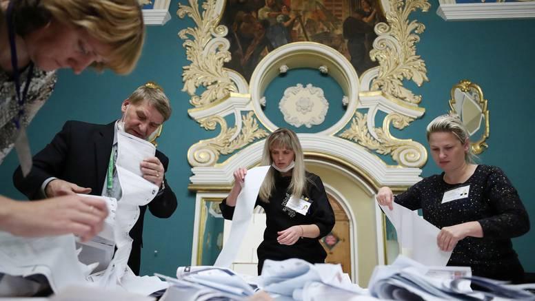 Jedinstvena Rusija pobijedila na izborima, ali uz manju podršku