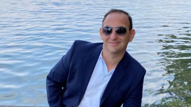 Glumca iz 'Hitne službe' terete za milijunsku prevaru pa sad traži politički azil u Hrvatskoj