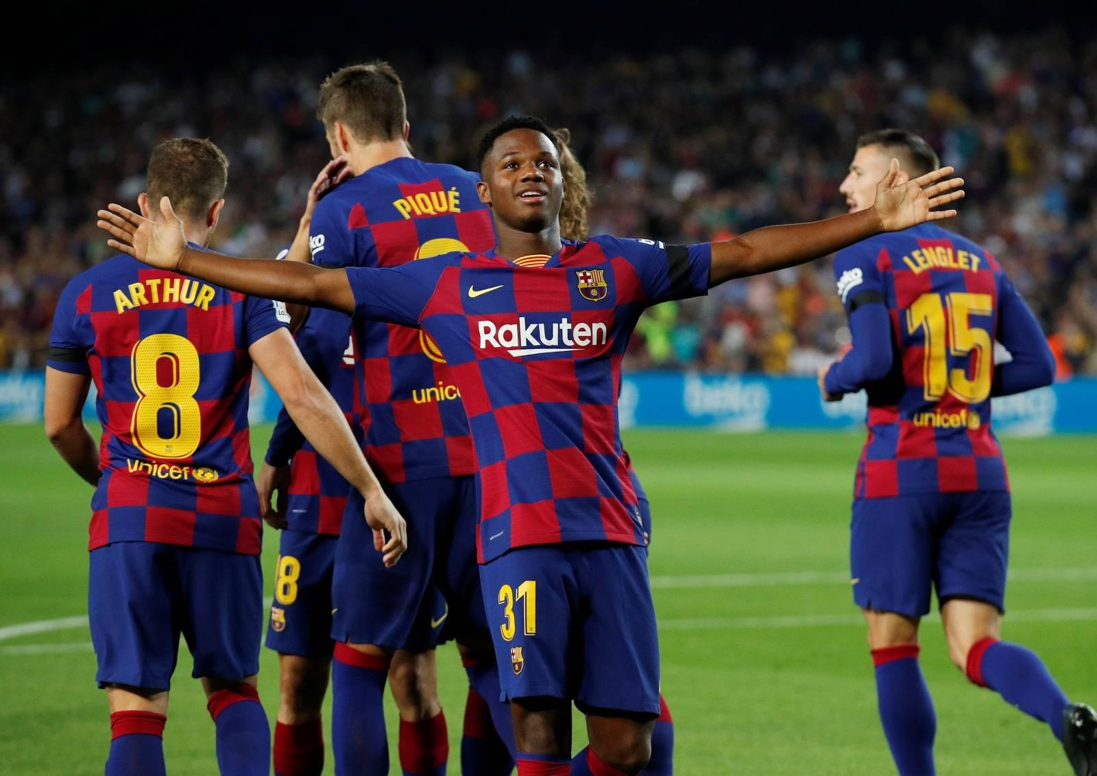 La Liga Santander - FC Barcelona v Valencia