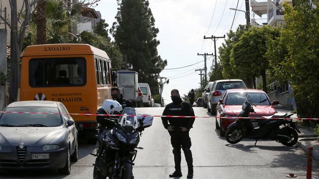 Grčkog novinara upucali blizu doma, istraživao je kriminal