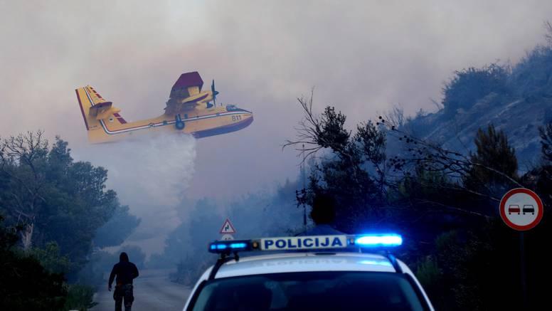 VIDEO Požar kod Šibenika vatrogasci stavili pod kontrolu