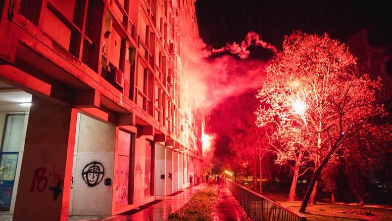 Splićani bakljama i vatrometom proslavili 50 godina  'Kineskog zida': Dvornikovi u njoj živjeli