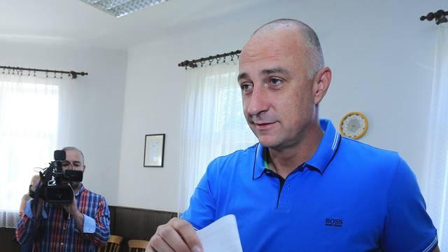 Napetost u stranci: Kako Ivan Vrdoljak lomi otpor u HNS-u