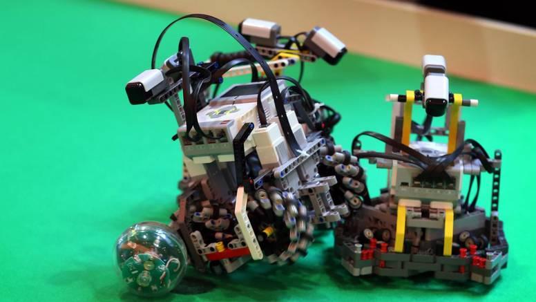 Na FER-u možete kroz zabavu i igru programirati LEGO robote