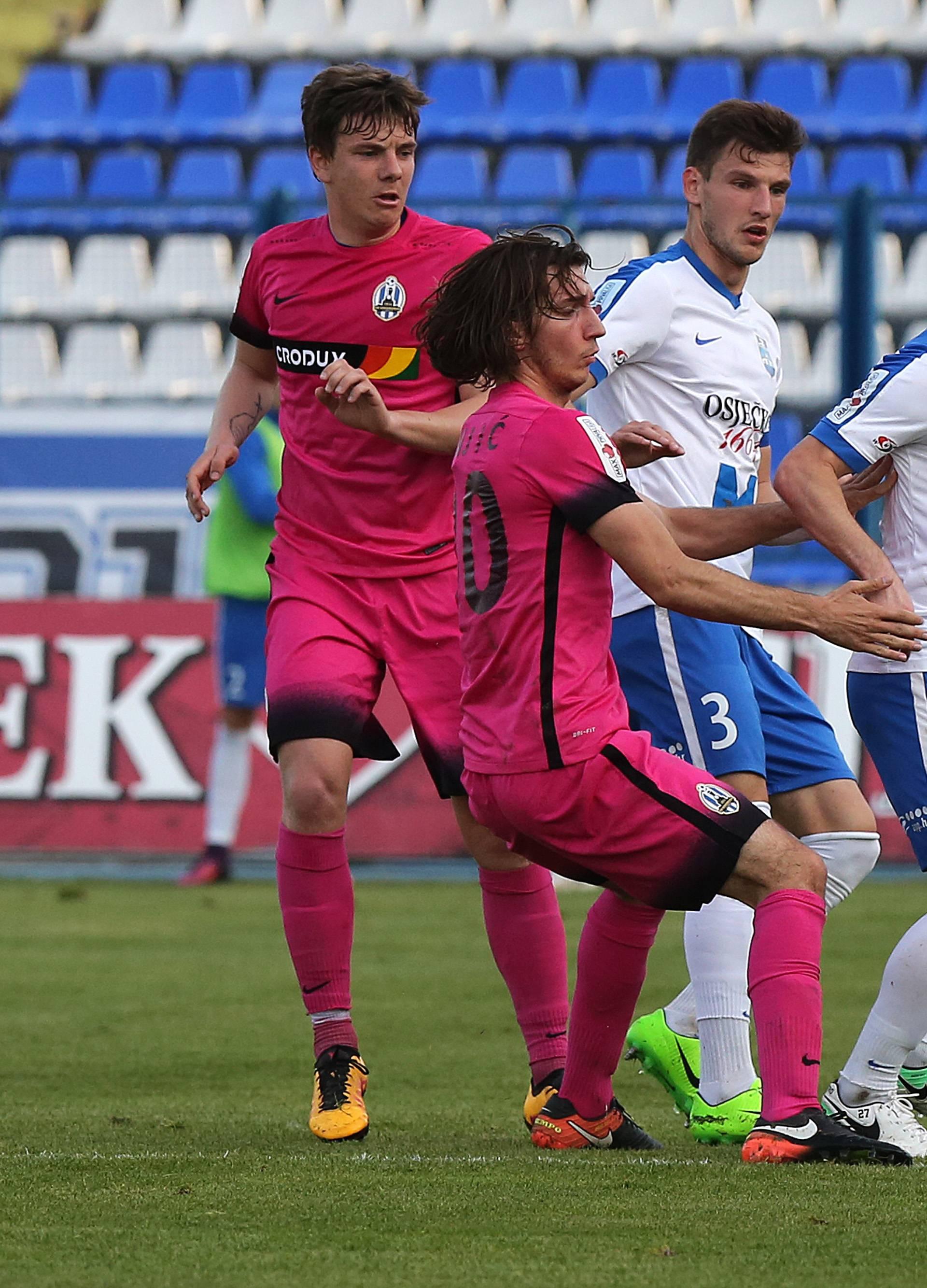 Osijek iz penala srušio Lokose i nastavio bitku protiv Hajduka