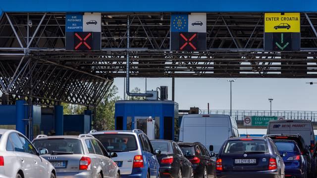 Na graničnom prijelazu Bregana nema gužvi ni dužih čekanja