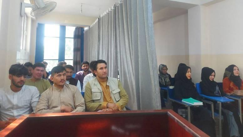 Žene i muškarci u Afganistanu ne smiju studirati zajedno: 'Sve suprotno protivi se Islamu'
