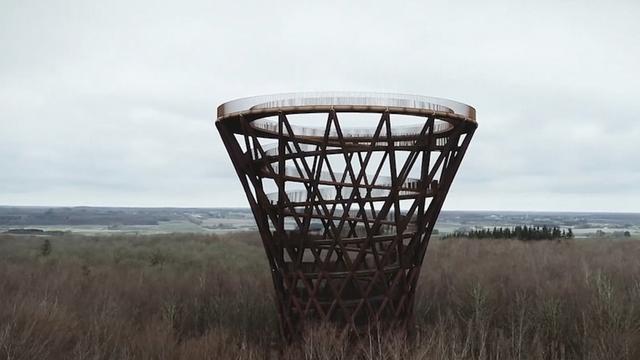 Danci otvorili drveni spiralni toranj: Izdiže se iznad šume