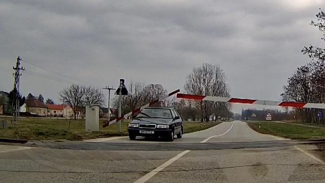 Suluda snimka iz Darde: Slomio rampu i samo nastavio voziti...