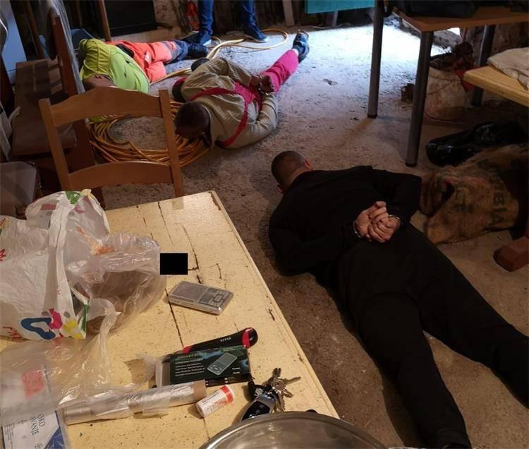 Fotke spektakularnog uhićenja: Pala je još jedna splitska banda
