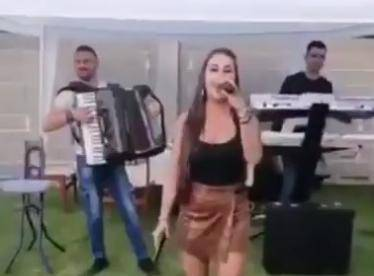 Svadba u Srbiji: Pjevala pa kod refrena izvadila pištolj i pucala