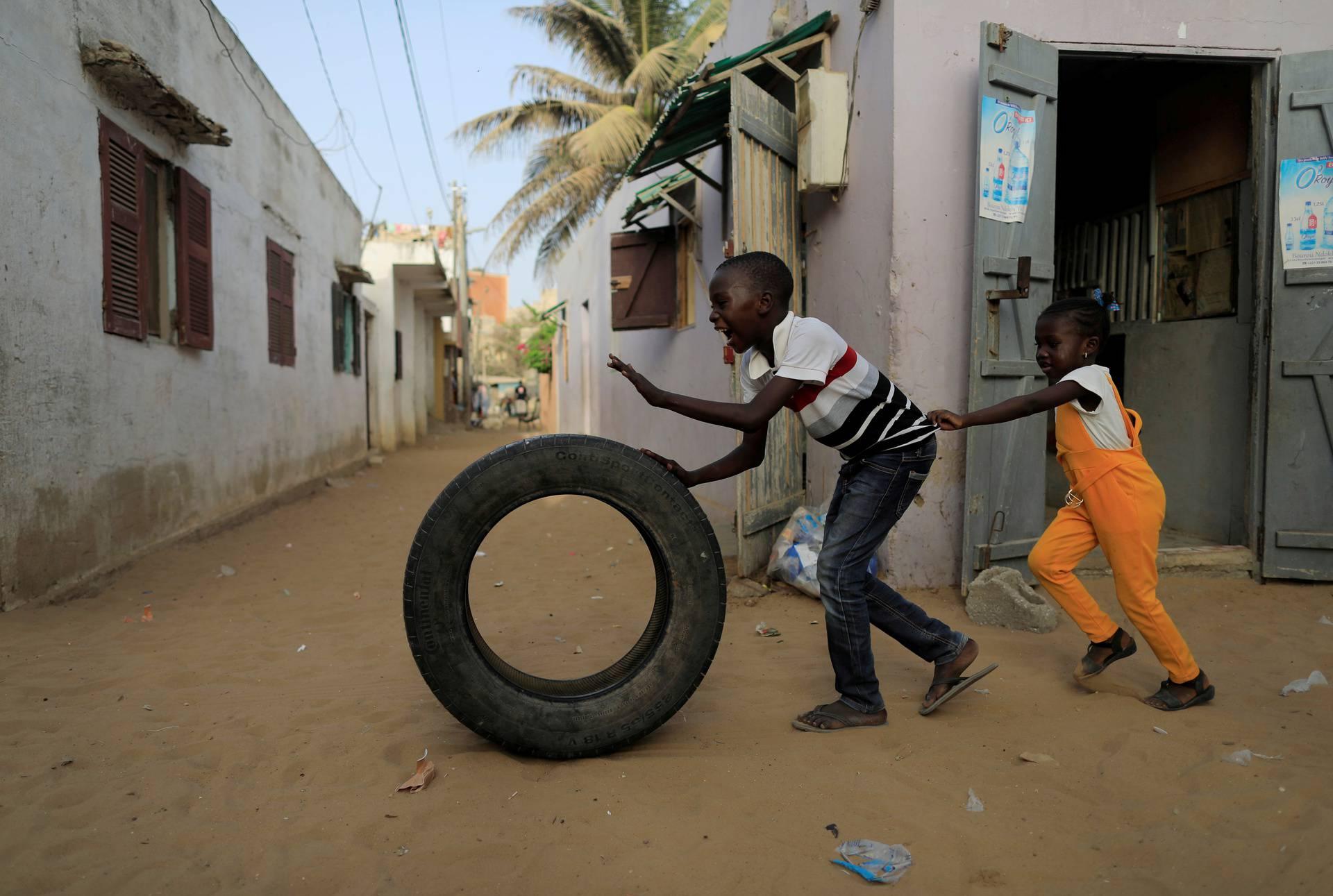 Outbreak of the coronavirus disease (COVID-19) in Yoff neighbourhood of Dakar