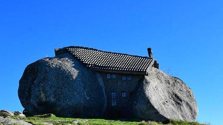 Nevjerojatna kuća od kamena kao da je od obitelji Kremenko