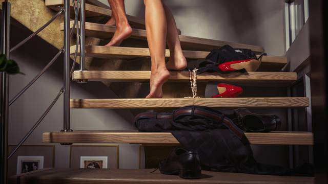 Seks-poze za svaki dio stana: Bilo kuda vi u klinču posvuda