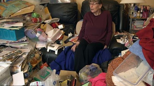 Nije čistila 30 godina: U stanu joj se ne vide podovi od smeća