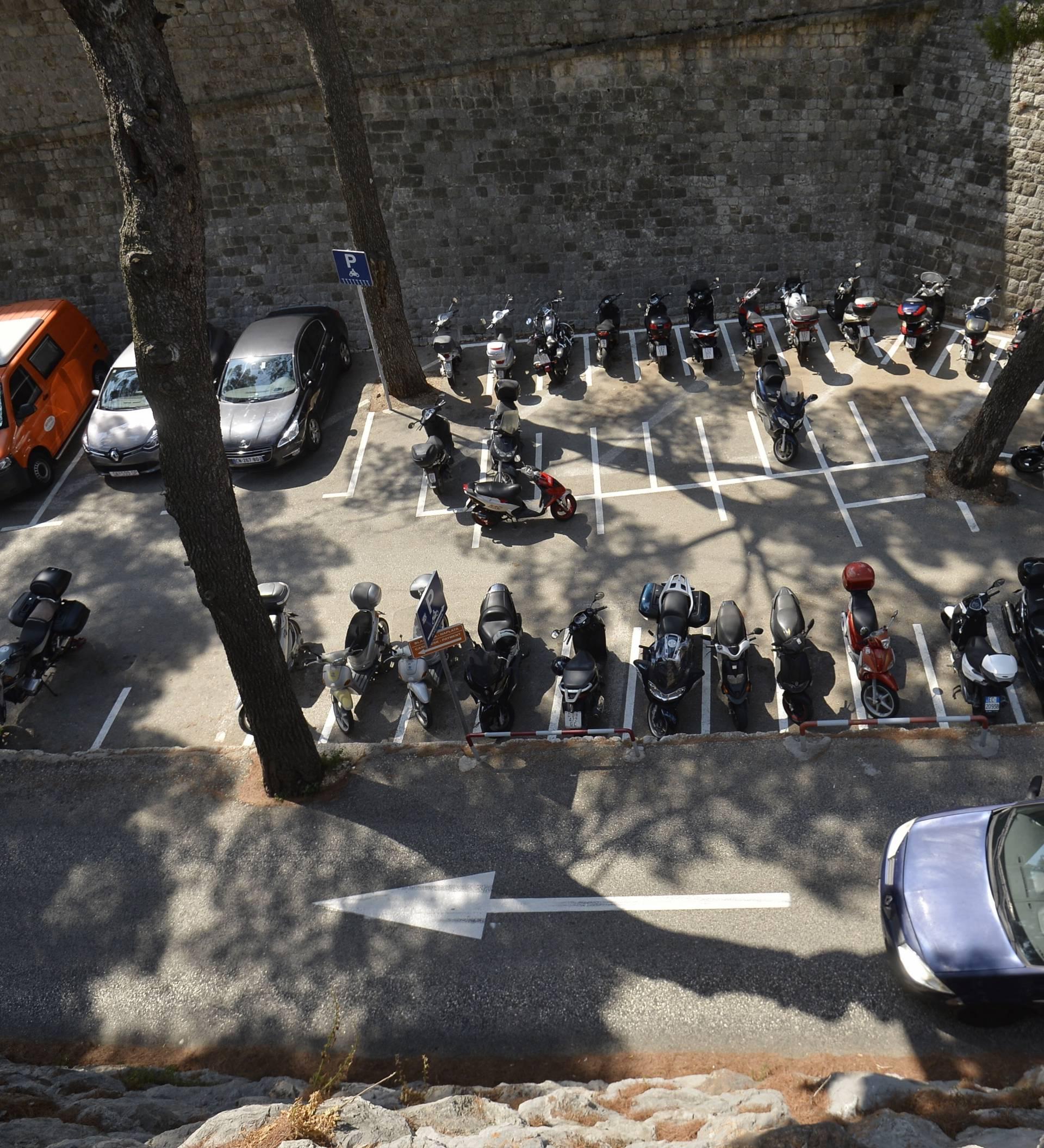 Parking u centru Dubrovnika mogao bi koštati čak 75 kuna