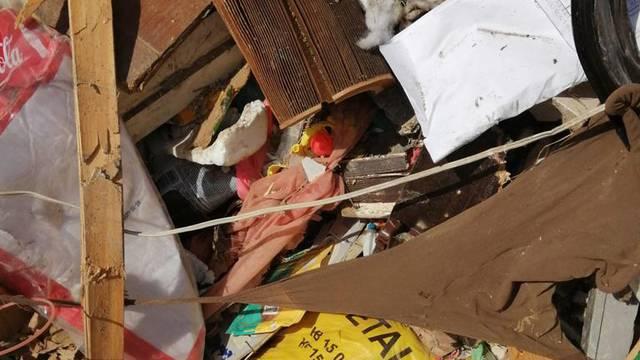 Imamo fotografije s Jakuševca gdje se vidi da se miješa sve od plastike do glomaznog otpada