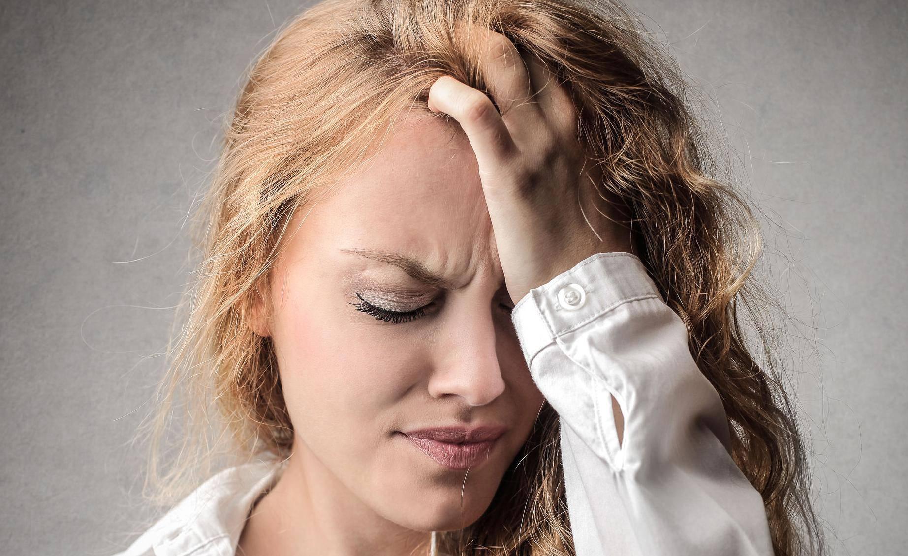 Napad migrene na poslu: Ima načina na koje si možete pomoći