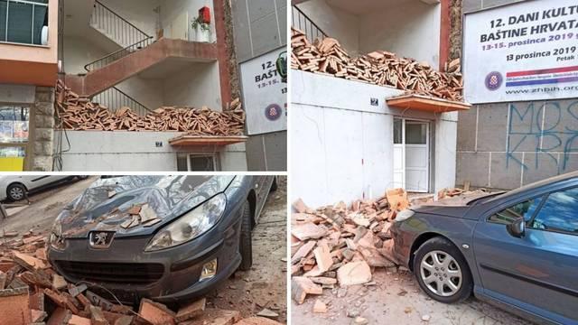 U Kninu se srušio dio zgrade: 'Mislila sam - potres! Susjeda je za dlaku izbjegla tragediju'